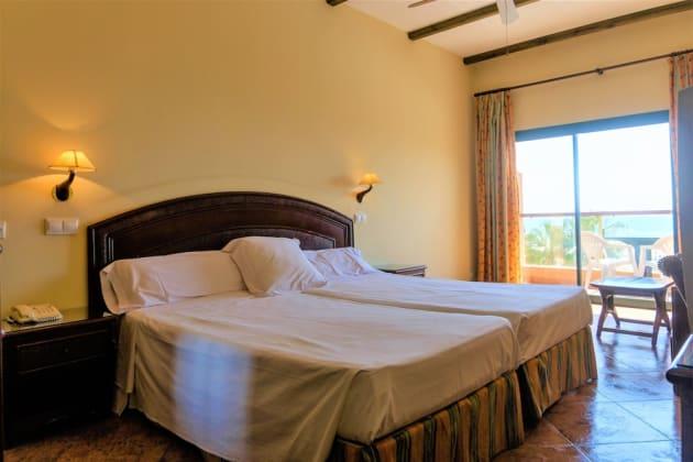 Hotel Colonial Mar (Roquetas de Mar) from £74 | lastminute.com