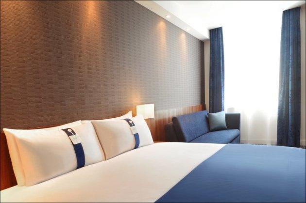 Holiday Inn Express Birmingham Snow Hill Hotel 1