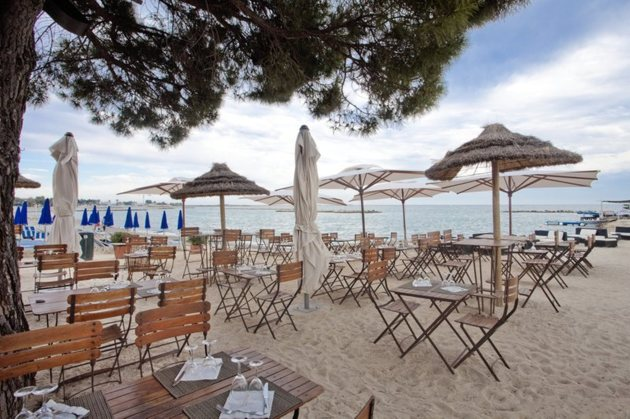 H tel holiday inn nice saint laurent du var saint - Restaurant port de saint laurent du var ...