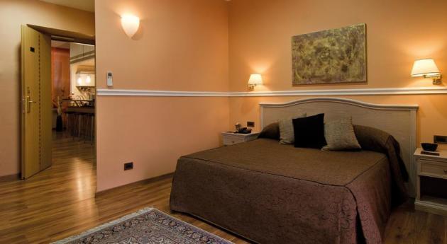 Hotel Papavistarelais thumb-2