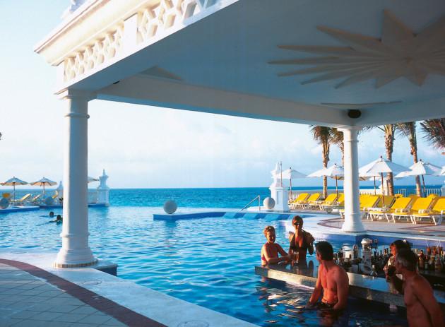 Riu palace las americas all inclusive hotel cancun for All inclusive resorts in north america