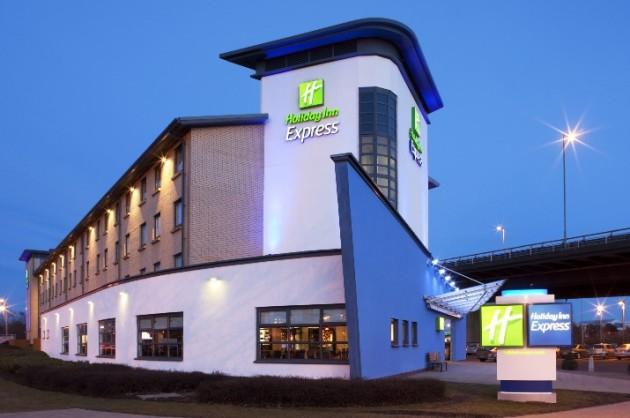 Holiday Inn Express Glasgow Airport Hotel Thumb 4