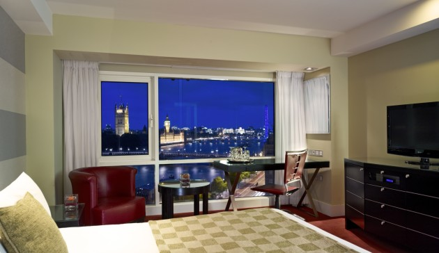 Park Plaza Riverbank London Hotel thumb-3