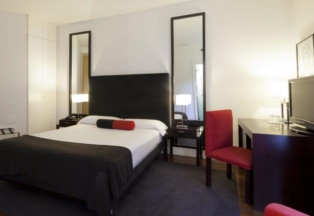 Hotel Quatro Puerta Del Sol thumb-2