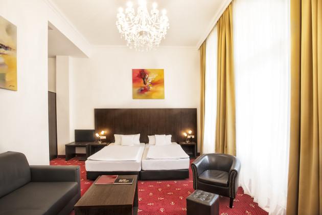 Hotel California Am Kurfuerstendamm thumb-3