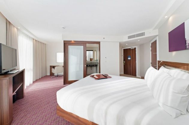 Hampton By Hilton London Waterloo Hotel
