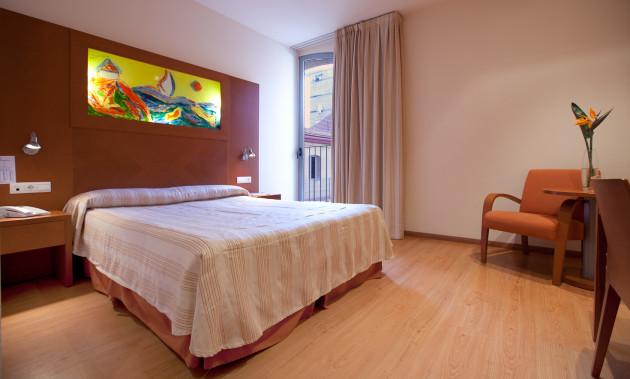 Hotel Checkin Valencia thumb-2