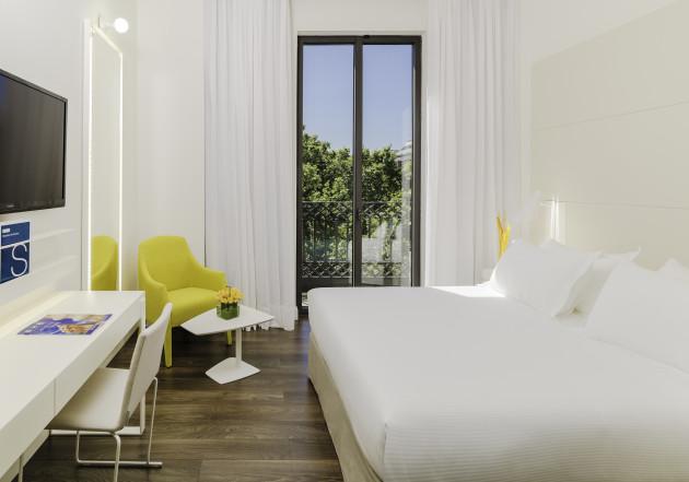 Hotel H10 Urquinaona Plaza thumb-3
