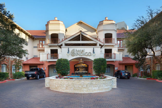 Hotel Indigo San Antonio Riverwalk 1
