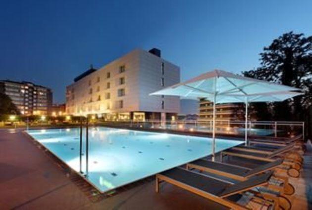 Hotel Holiday Inn Bilbao thumb-4