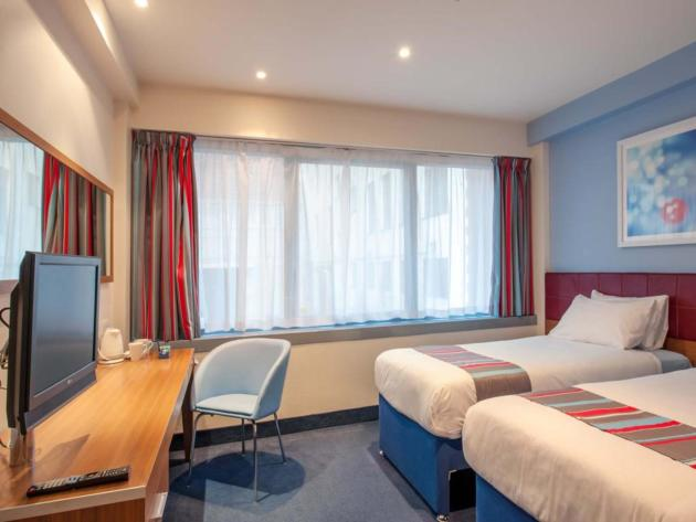 Hotel Travelodge London Central Aldgate East thumb-2