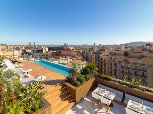 Hotel the one barcelona gl barcellona da 265 volagratis for Villaggi vacanze barcellona
