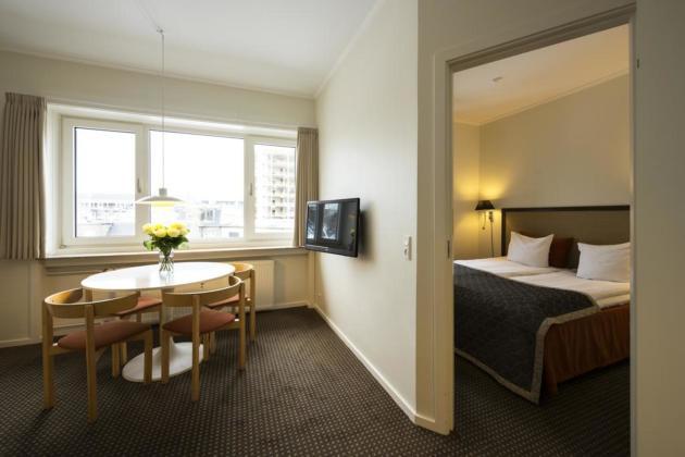 Ascot Apartments Hotel Thumb 3