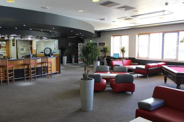 Ibis Cardiff Gate - International Business Park Hotel thumb-3