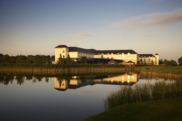 Castleknock Hotel To Dublin Airport
