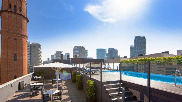 Hotel attica 21 barcelona mar barcellona da 98 volagratis for Villaggi vacanze barcellona