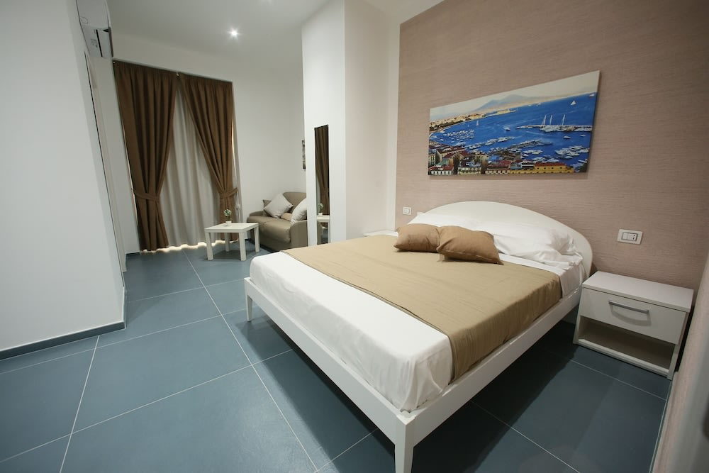Milano - Napoli - Mascalzone Latino Luxury Rooms