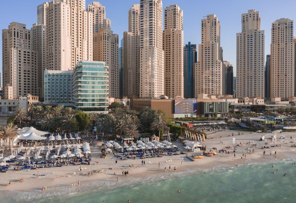 Valencia - Dubai - Hilton Dubai Jumeirah
