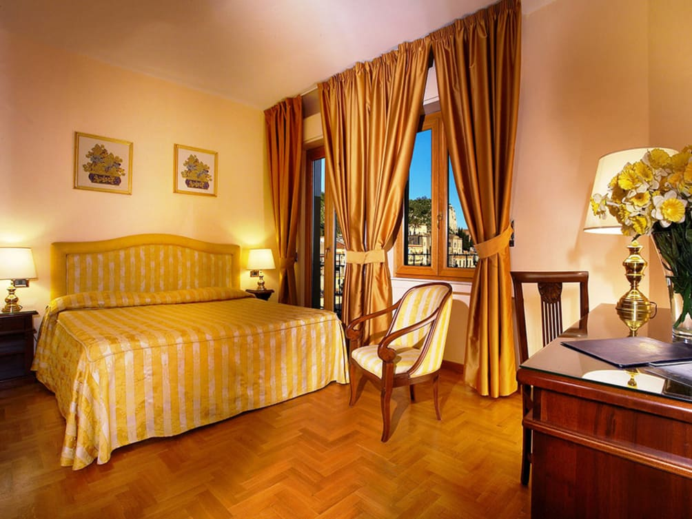 Napoli - Taormina - Hotel Isabella
