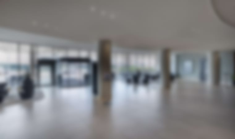 Contemporary Airport hotel with spacious rooms and free highspeed wifi