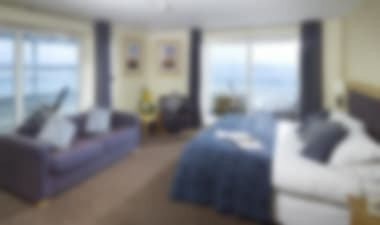 Hotel Classic 4-star spa hotel by Poole Harbour