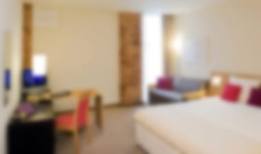 Hotel Beautiful contemporary hotel in Cardiff city centre with pool