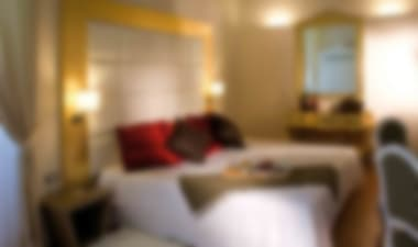 Hotel Elegant 4-star hotel in Naples' historic heart