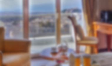 Exclusive 5-Star Hotel in Kolonaki with great view from the roof top bar-restaurant