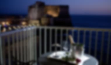Smart 4-star hotel on Naples' seafront promenade