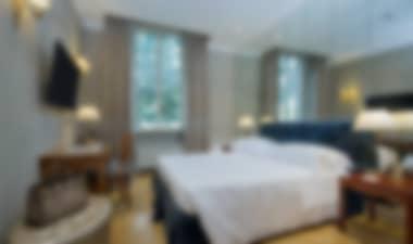 hotel de lujo de 5 estrellas, cerca de Villa Borghese.