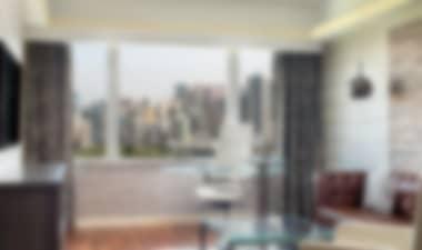 HotelStunning 5-star modern hotel overlooking Victoria Harbour