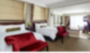 HotelImpresionante complejo de 5 estrellas con excelentes piscinas y vistas a la Franja