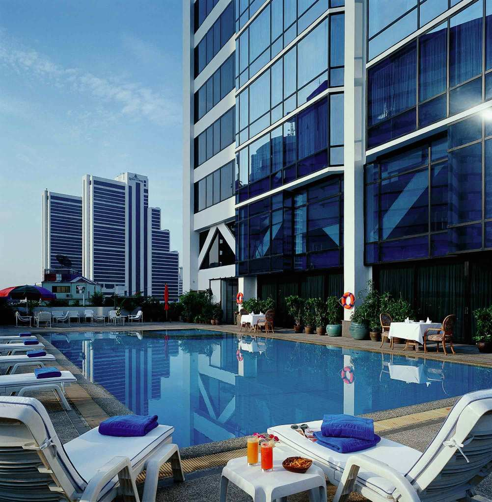 hotel bangkok pas cher avec piscine. Black Bedroom Furniture Sets. Home Design Ideas