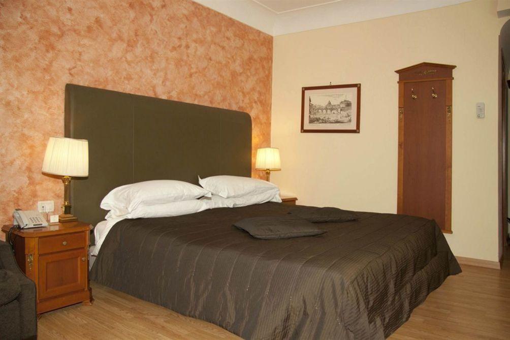 location de voiture pas cher gare tgv aix en provence zoover. Black Bedroom Furniture Sets. Home Design Ideas