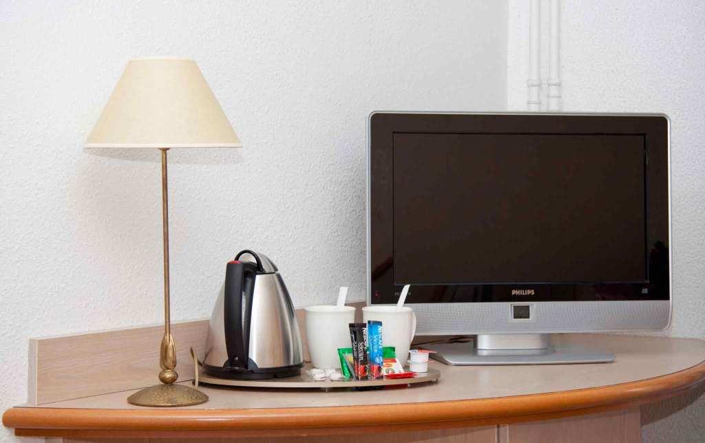 h tel nevers pas cher 2 enseignes partir de 30. Black Bedroom Furniture Sets. Home Design Ideas
