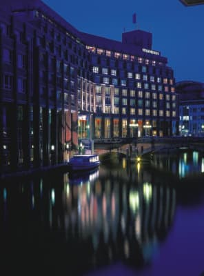 Hotel Steigenberger Hotel Hamburg thumb-3