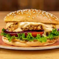 Ultimate Crispy Chicken Baconnaise Burger