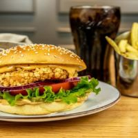 Menú Crispy Chicken & Bacon Burger