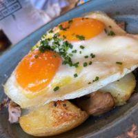 Huevos a la brasa con Patatas & Setas Trufadas  -   VG   SG 