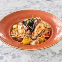 Espaguetti Integral Ecológico con Calamar & Ajo Negro