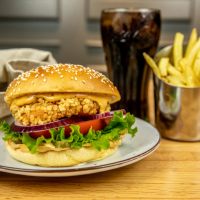 Menú Crispy Chicken Baconnaise Burger