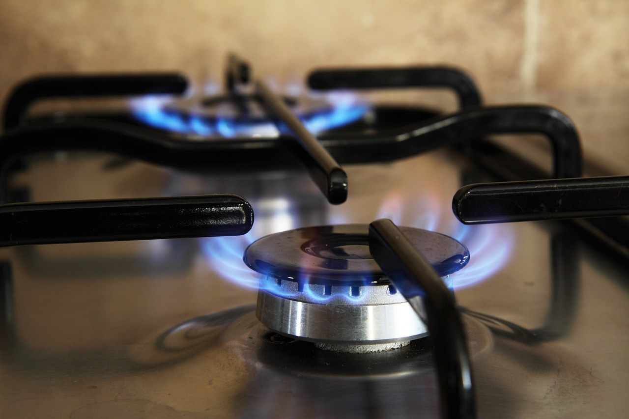 Learn How to Use a Gas Stove: Cooking On The Gas Stove