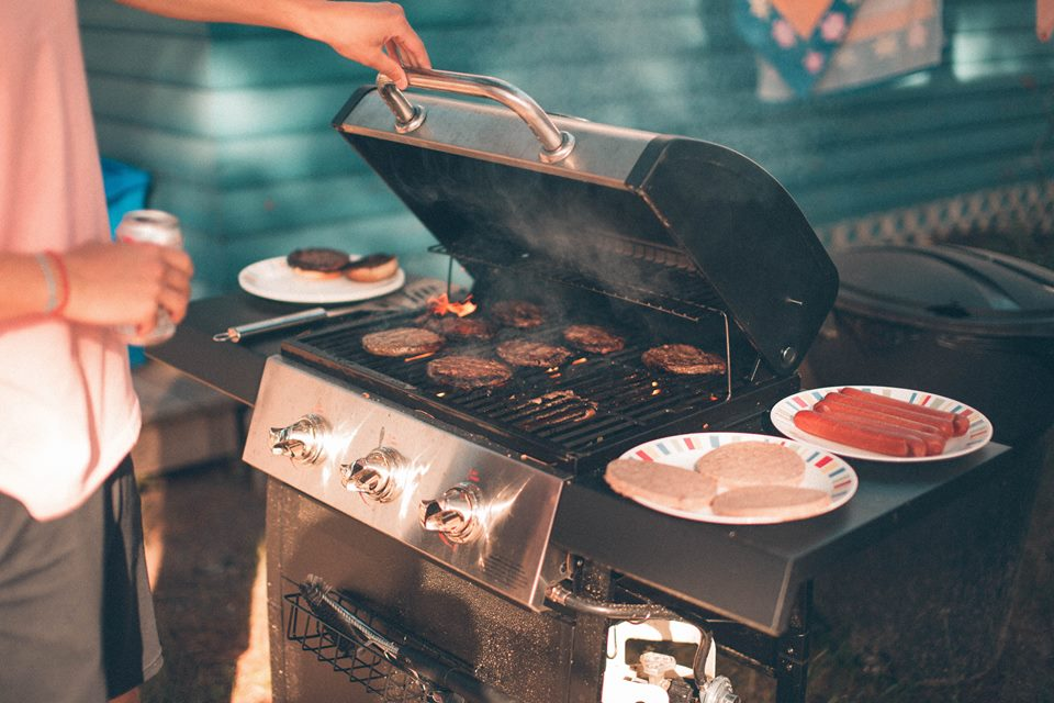 10 Best Small Gas Grills Under $300: Reviews (Expert's Recommendations)