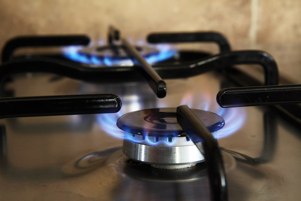 How to Use a Gas Stove