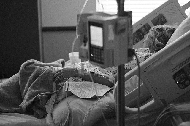 hospital bed and oxygen machine - iot devices