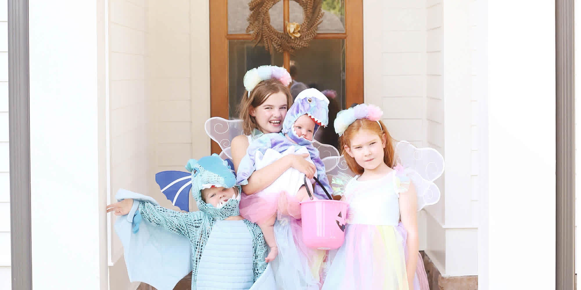 Adorable Sibling Costumes for Halloween