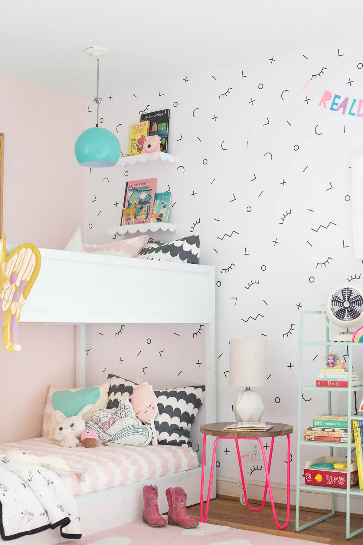 24 posts in shared room lay baby lay a shared bedroom with bunk beds sisterspd