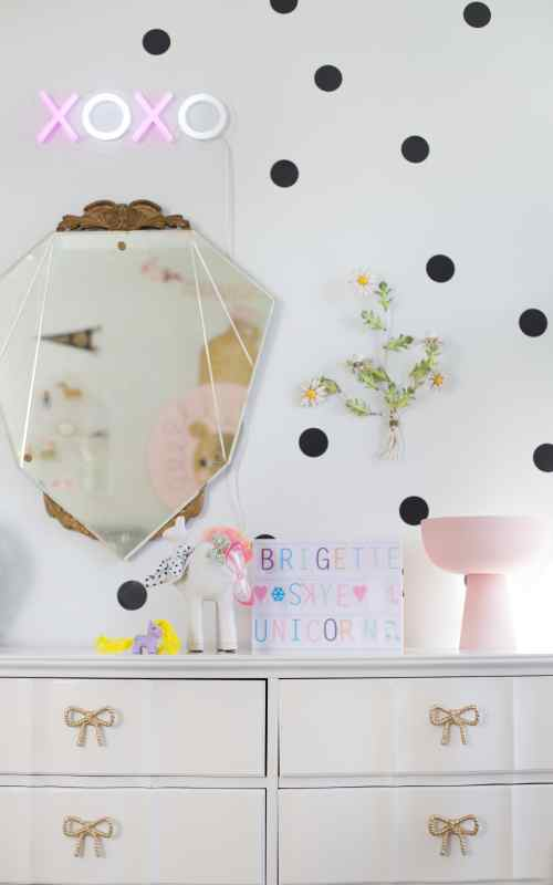 Shelf Styling and Details in the Girls' Shared Room