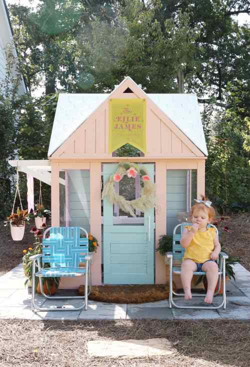 Simple and Easy Mini Playhouse Makeover