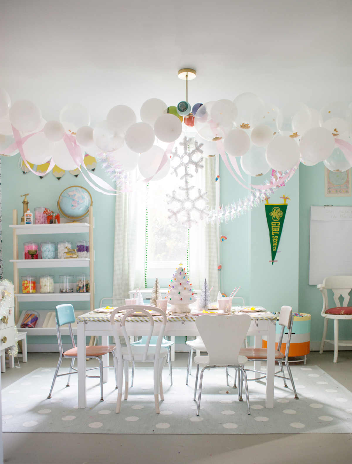 Easy Golden Birthday Party Ideas - Lay Baby Lay